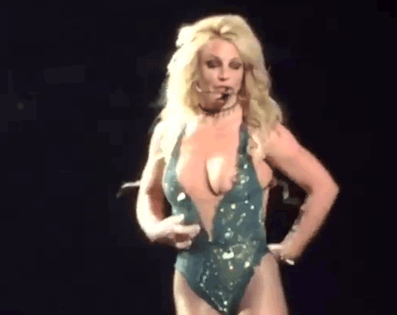 Britney Spears Wardrobe Malfunction Pictures photo 16