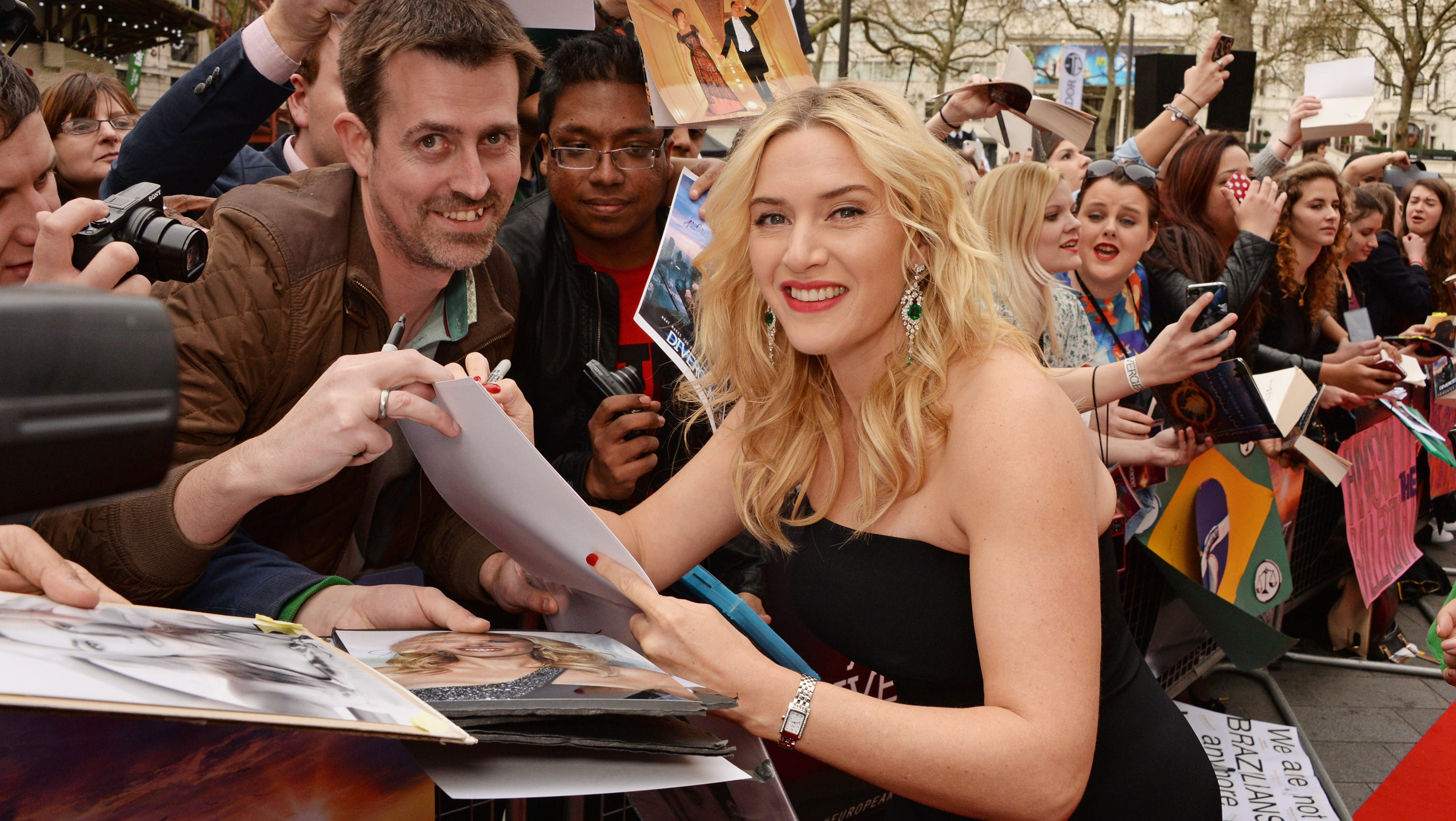 Kate Winslet Breasts Titanic photo 14