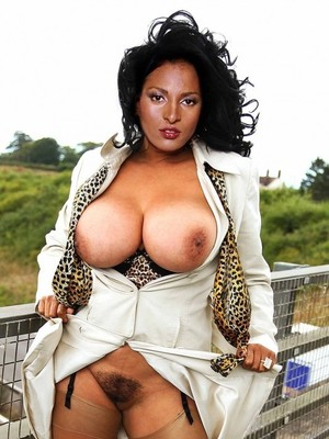 Pam Grier Naked Photos photo 21