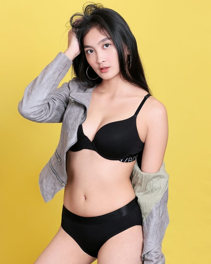 The Hot Chick Google Drive photo 6