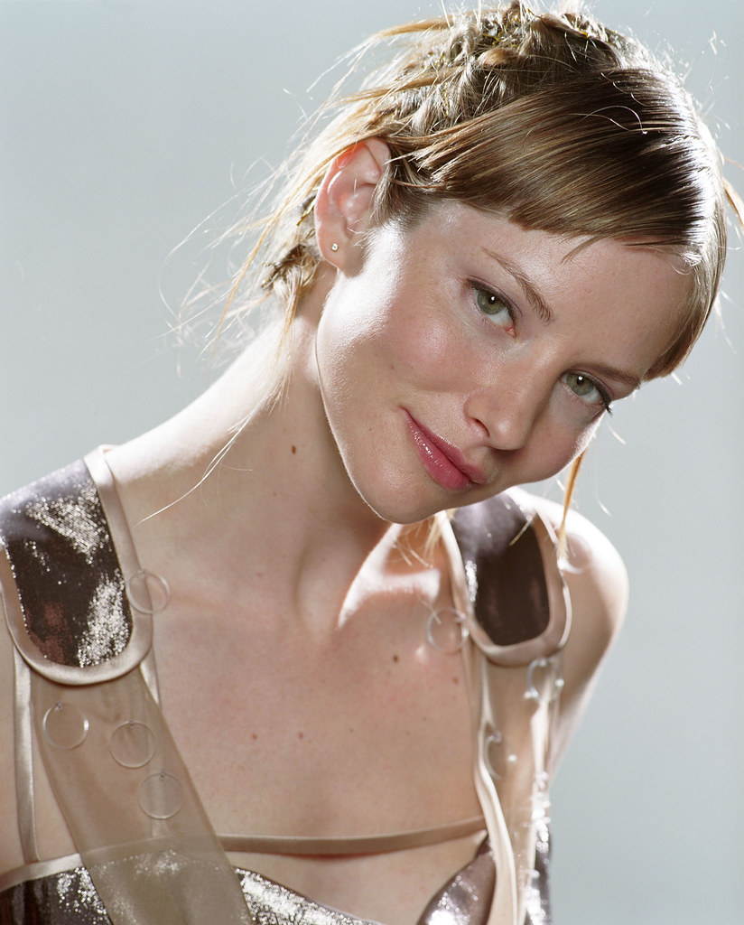 Sienna Guillory Sexy photo 25