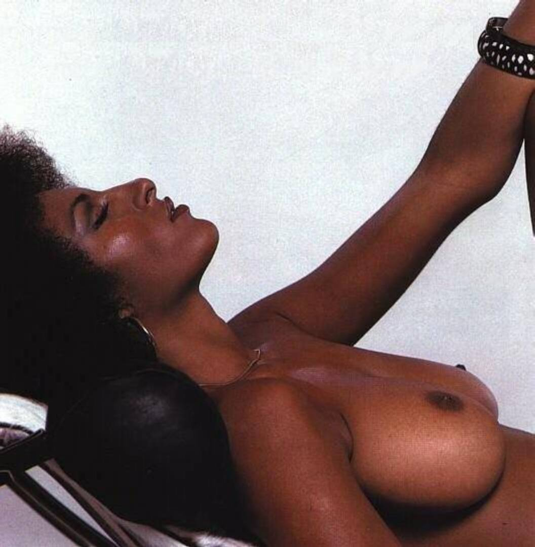 Pam Grier Naked Photos photo 27