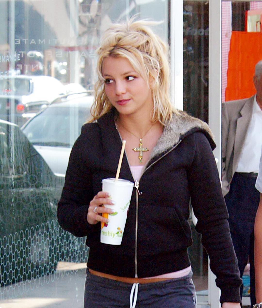 Brittany Spears Candid Photos photo 25