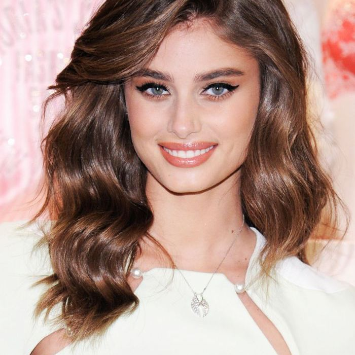 Taylor Hill Pictures photo 16