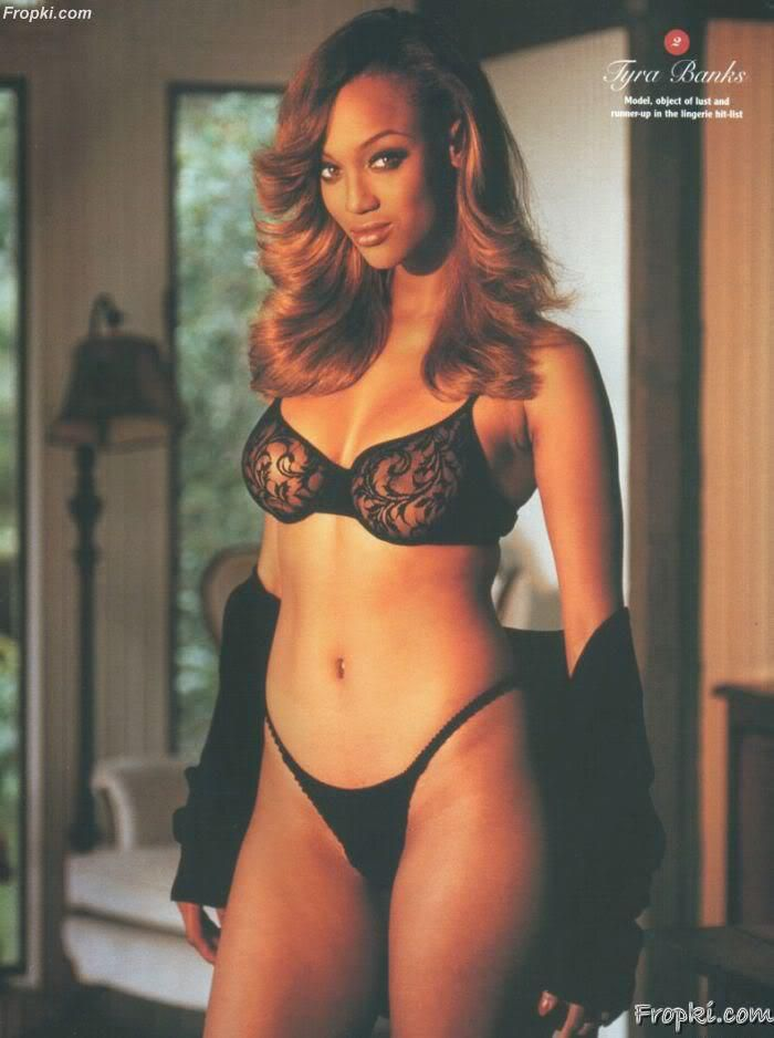 Tyra Banks Naked Pictures photo 21