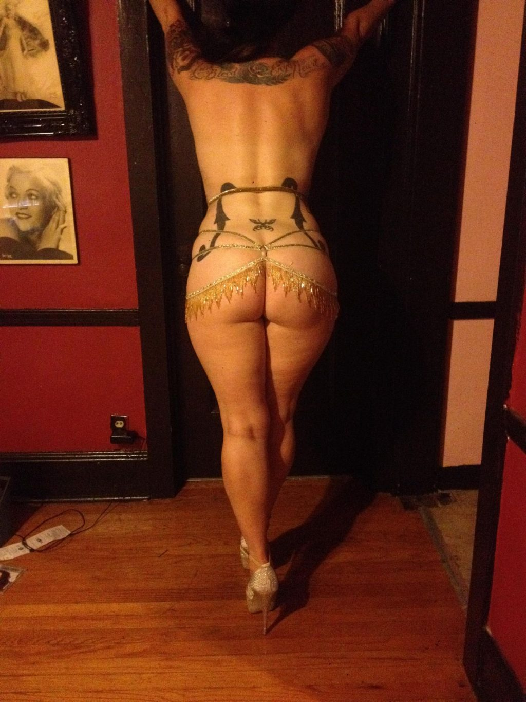Naked Pics Of Danielle From American Pickers photo 14
