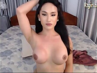 Cambodian Shemale Nude photo 21