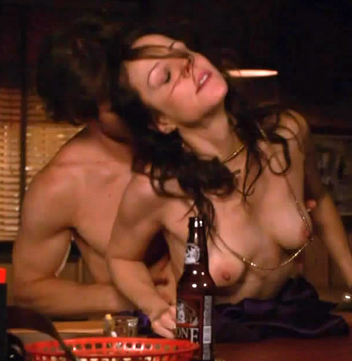 Mary Louise Parker Nipples photo 9