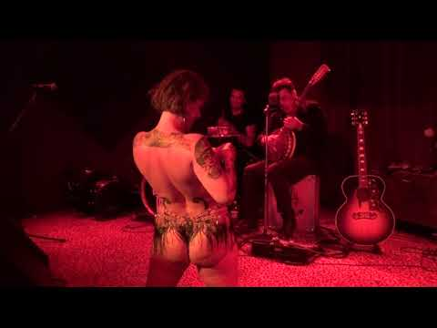 Danielle Colby Burlesque Pickers photo 1