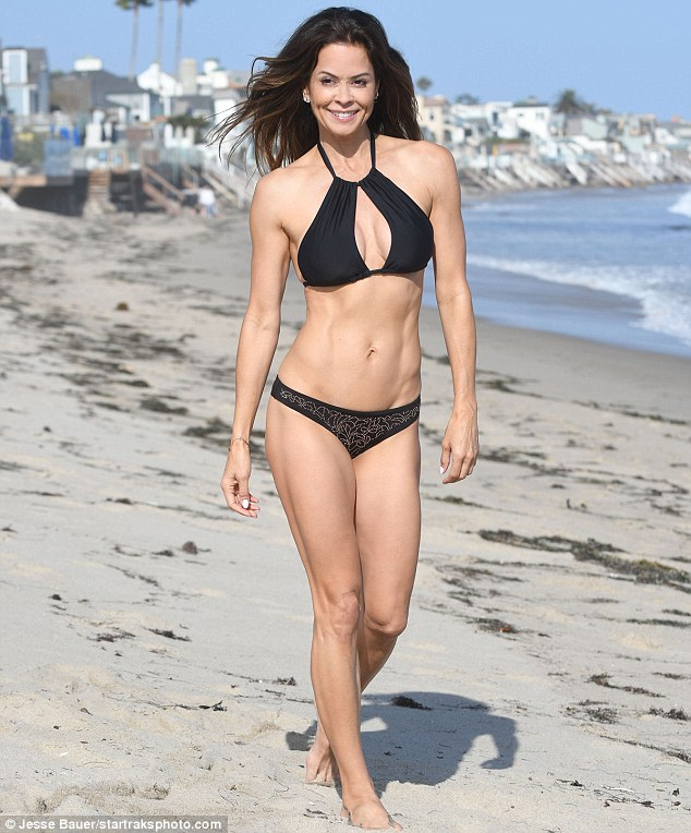 Brooke Burke Sexy Pictures photo 11