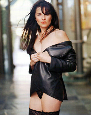Lucy Lawless Hot Pics photo 23