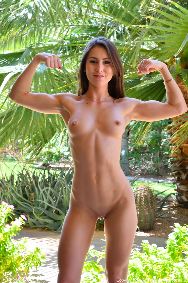 Fit And Nude photo 4