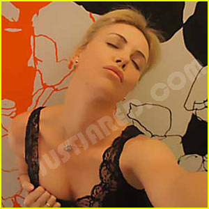 Charlize Theron Sexy Video photo 11