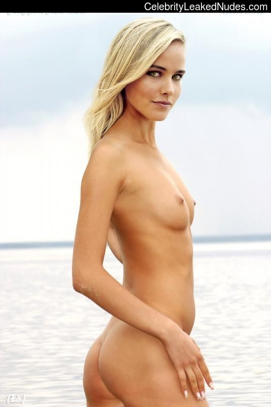 Isabel Lucas Nude Gif photo 20