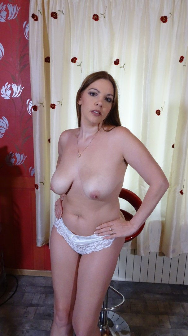 A Wife And Mother Patreon Leaks photo 27