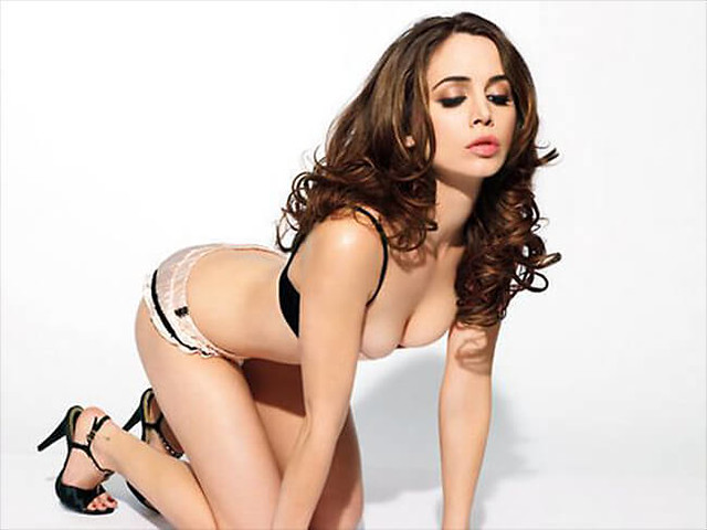 Alison Brie Is Hot photo 13