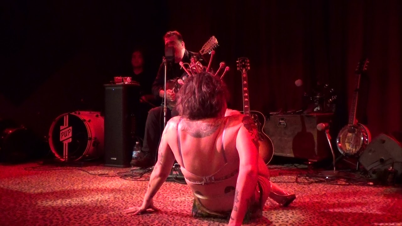 Danielle Colby Burlesque Pickers photo 6
