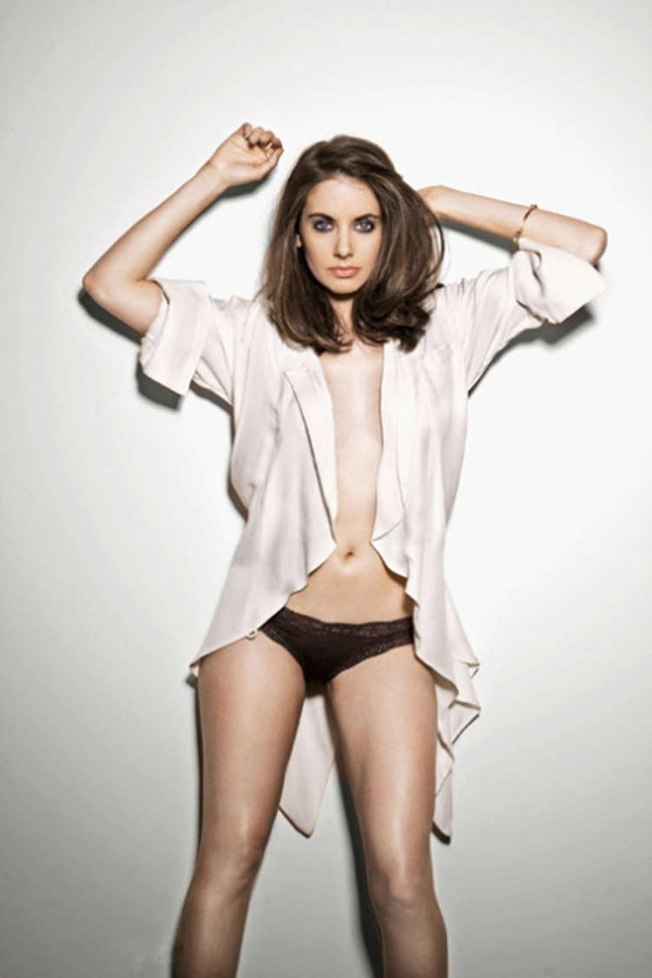 Alison Brie Is Hot photo 2