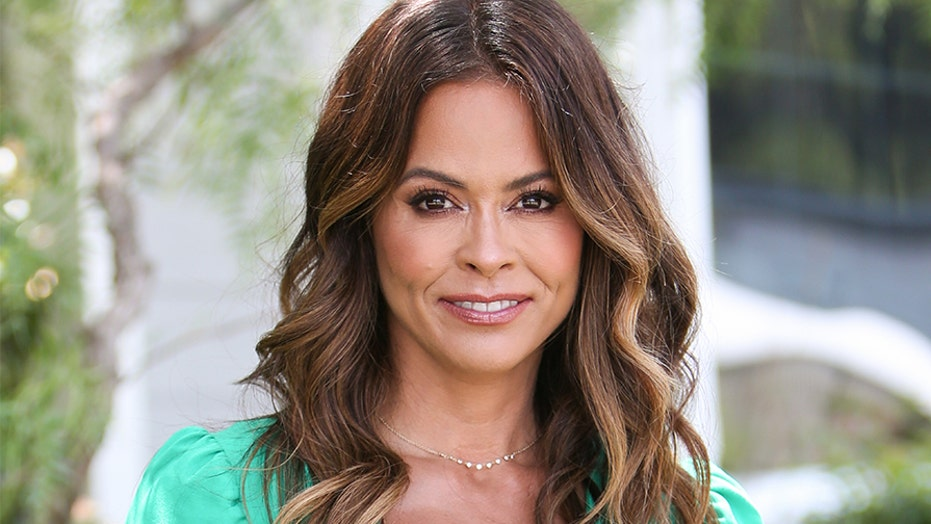 Brooke Burke Pictures photo 14