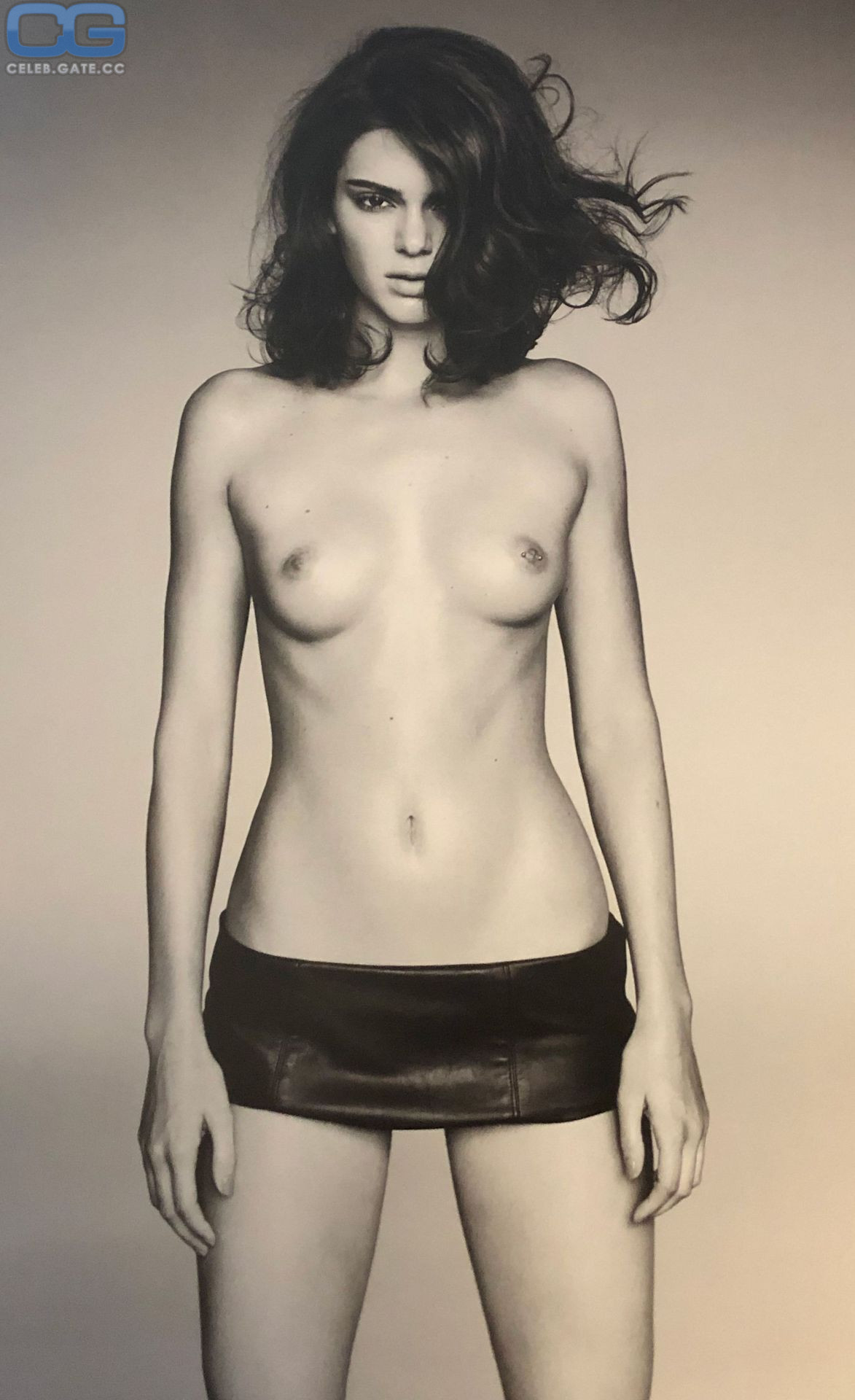 Kendall Jenners Nude photo 17