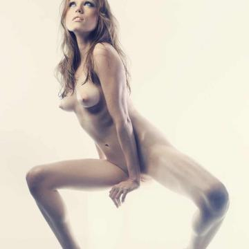 Clare Grant Naked photo 1