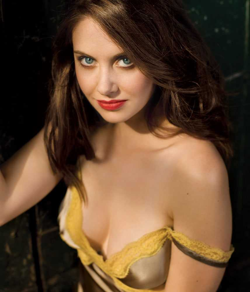 Alison Brie Is Hot photo 27