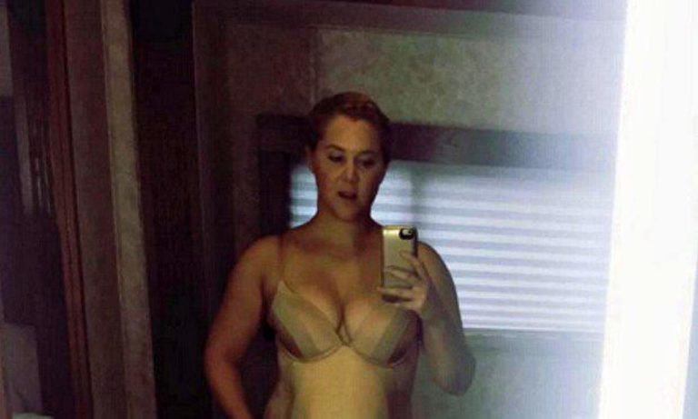 Amy Schumer Naked Pic photo 3