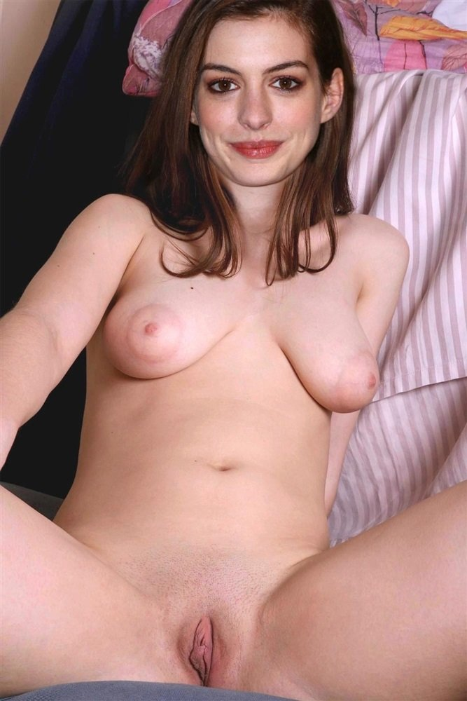 Anne Hathaway Naked Pussy photo 25