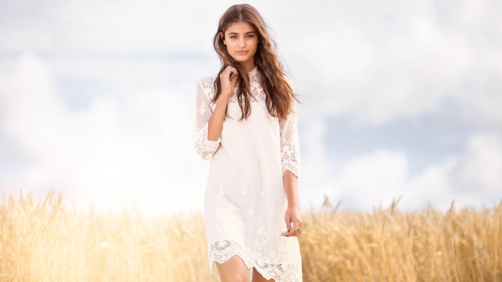 Taylor Hill Pictures photo 17