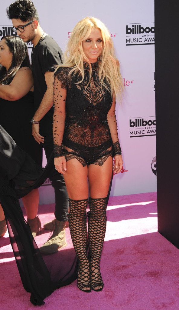 Britney Spears Wardrobe Malfunction Pictures photo 2