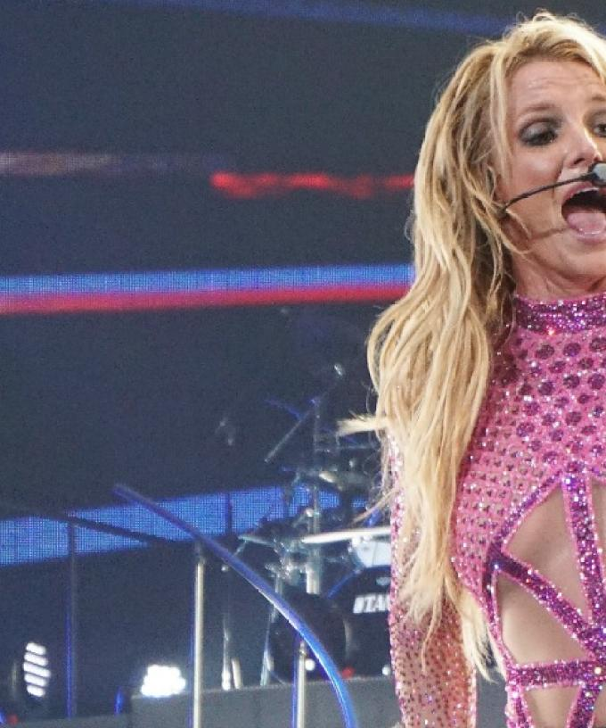 Britney Spears Wardrobe Malfunction Pictures photo 14