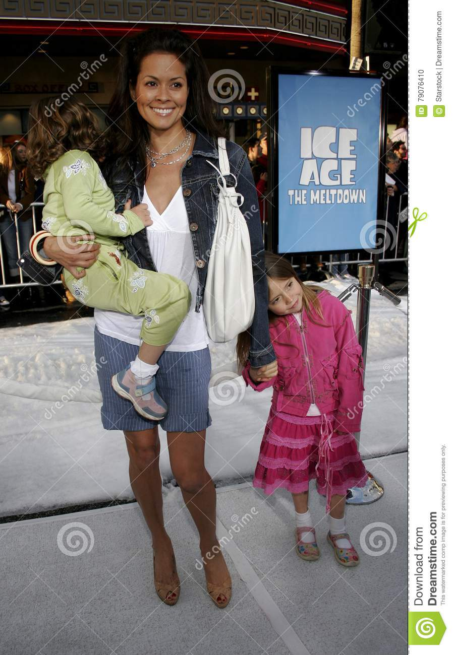 Brooke Burke Pictures photo 15