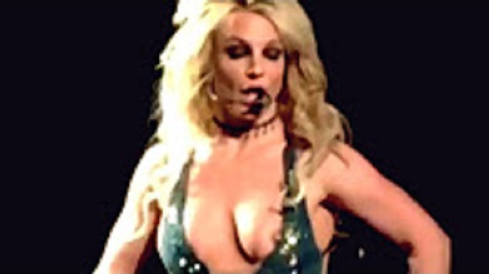 Britney Spears Wardrobe Malfunction Pictures photo 8