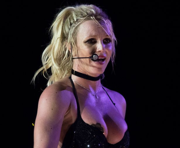 Britney Spears Wardrobe Malfunction Pictures photo 28