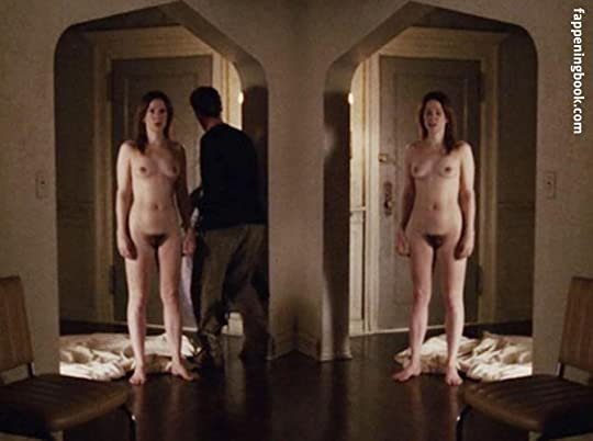 Mary Louise Parker Nipples photo 4