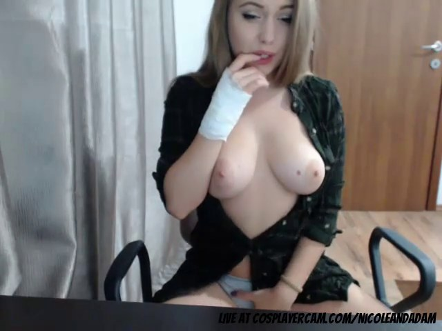 Twitch Girls Getting Naked photo 6