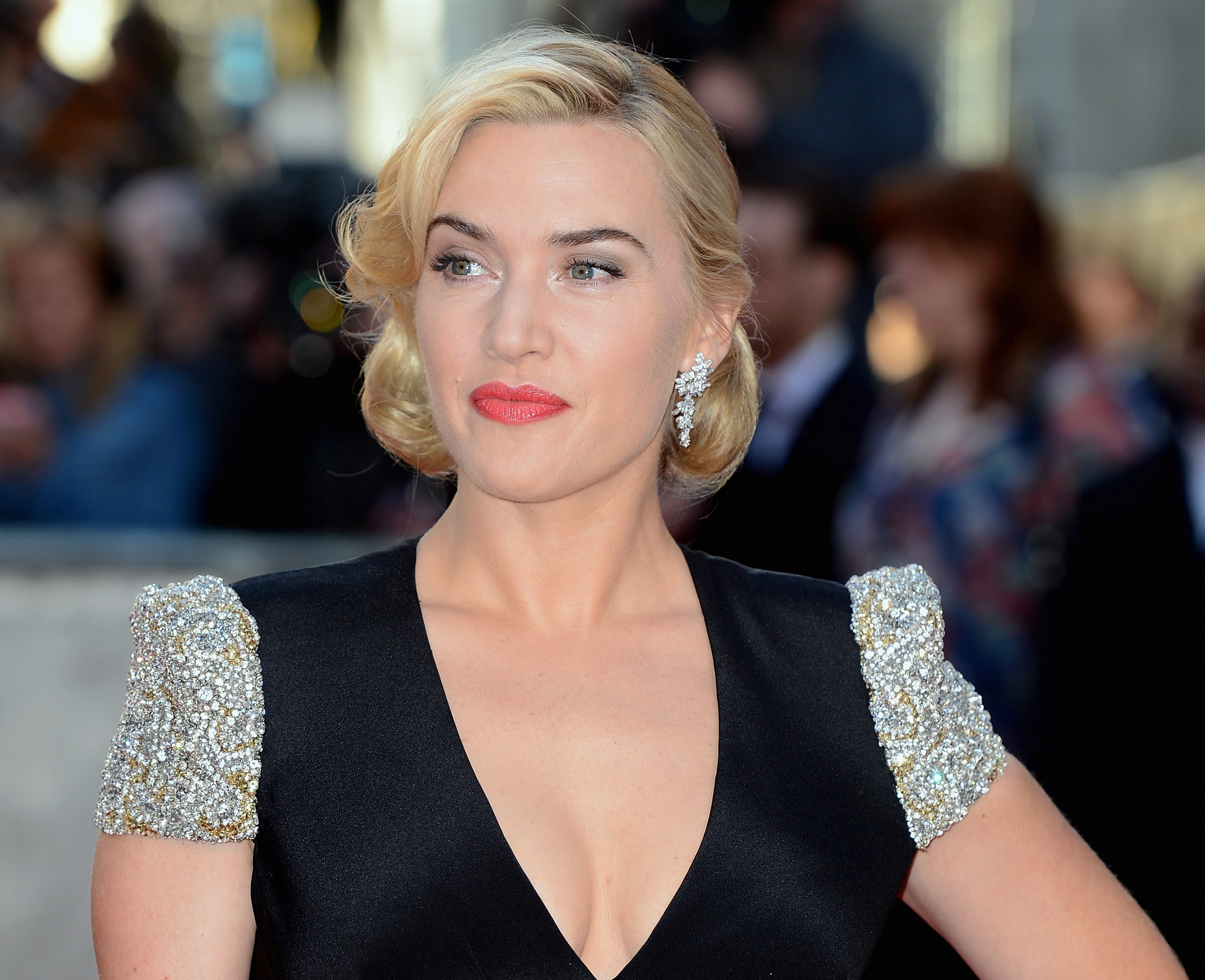 Kate Winslet Breasts Titanic photo 7
