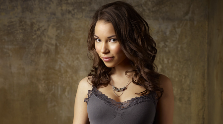 Jessica Parker Kennedy Pictures photo 2