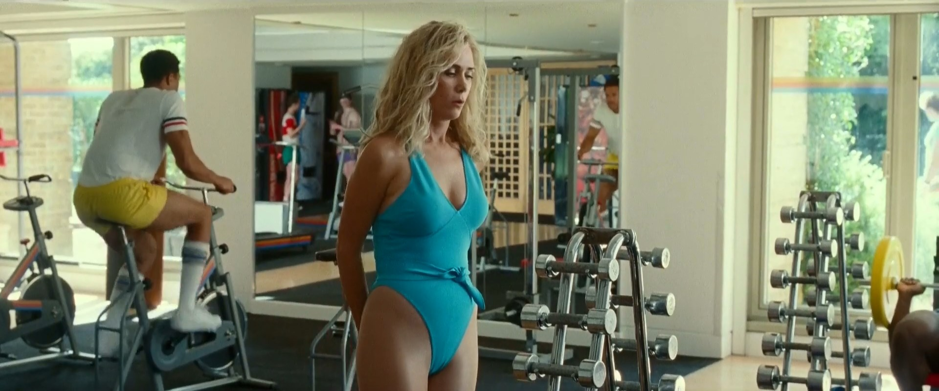 Kristen Wiig Naked In Welcome To Me photo 4