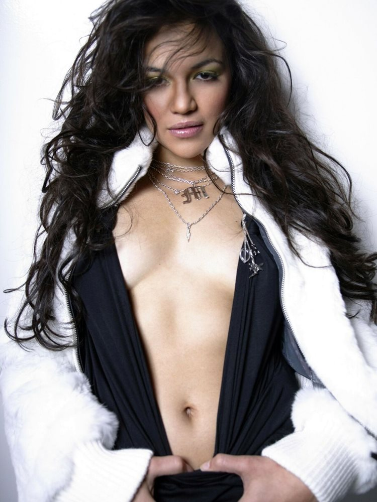 Michelle Rodriguez Sexy Pictures photo 16