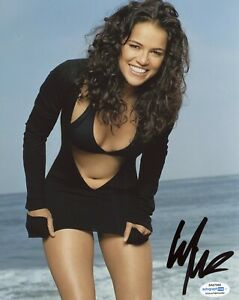 Michelle Rodriguez Sexy Pictures photo 25