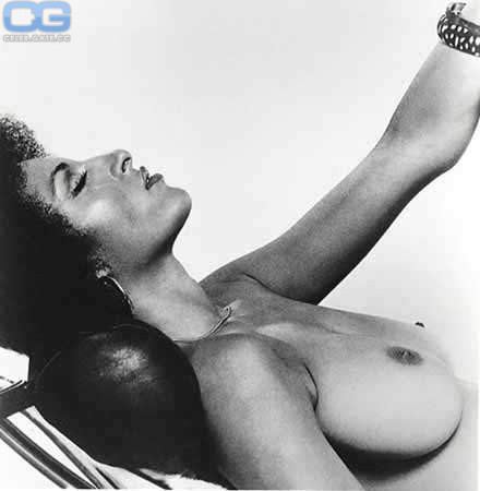 Pam Grier Naked Photos photo 11