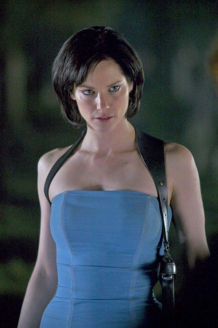 Sienna Guillory Sexy photo 10